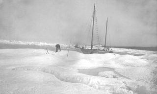13176-Yacht-Argo-near-Barrow--Anglo-American-Polar-Expedition--Barrow