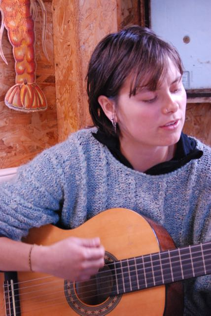 Ainhoa chante le Pays Basque