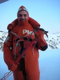 Ouno : Préconisation de l'Amirauté : à ce stade de la glace, endosser la combinaison de survie.